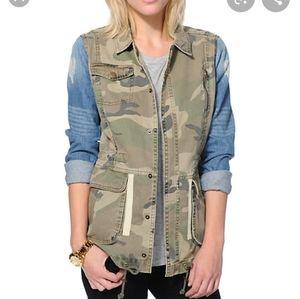 Comfy Camo Print Denim Jacket